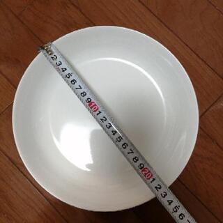シンプル大皿3つ