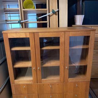 【美品】高級食器棚の画像