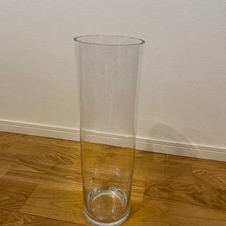 ガラスのフラワーベース