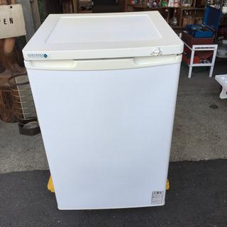 ノーフロスト 電気冷凍庫 フリーザー 110L FFU118R