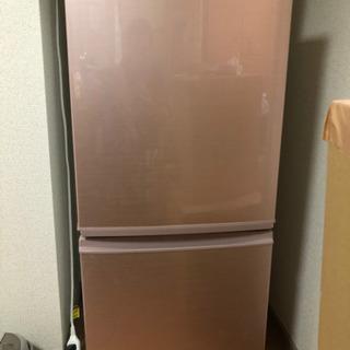 SHARP製の冷蔵庫です
