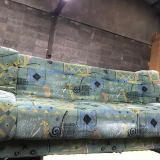 ソファー 珍しい色合い 雰囲気抜群