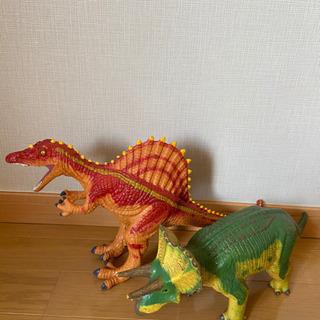 🔺恐竜2体セットで🦖🦖🔺