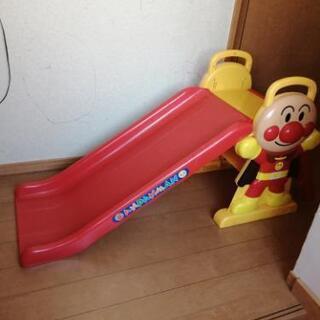 決まりました アンパンマン 滑り台
