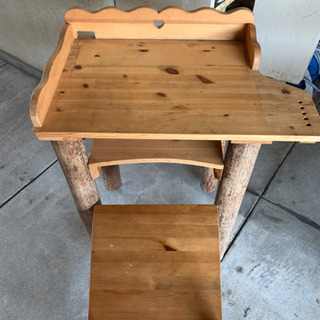 【無料】勉強机(テーブル)と椅子