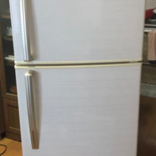 受渡者決定 2015年製 ユーイング 冷蔵庫 228Lの画像