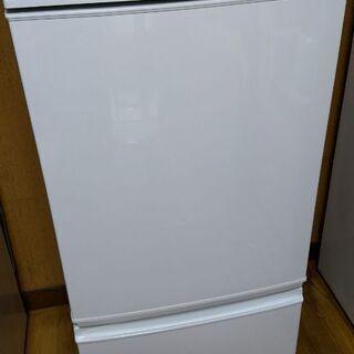 ☆★☆美品♪清掃済み♪2015年SHARP137L冷蔵庫☆…