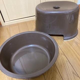 0円・中古 洗面器、風呂場用椅子