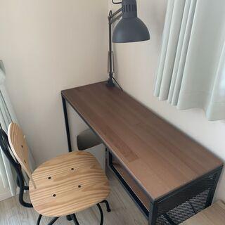 仕事用、勉強用などに デスク・椅子・照明 一式