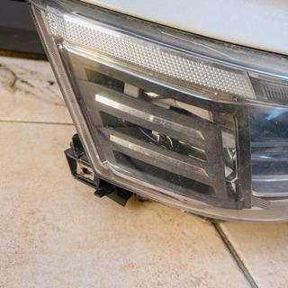 トヨタ ヴェルファイア 30後期 ヘッドライト - 売ります・あげます