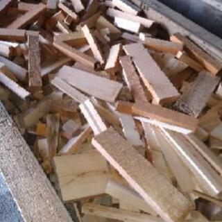 木、木材、木っ端、薪、焚き付け材