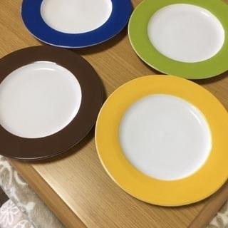 お皿4枚セット(中古品)22センチ