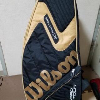 テニスのラケットバッグ