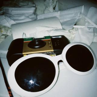 さわもんとサングラスの画像