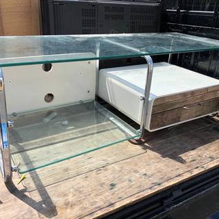 お洒落なガラス板 TV台