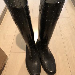 水玉の長靴