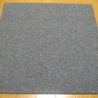日本製タイルカーペット厚み6.5mm・1枚180円・在庫180枚...