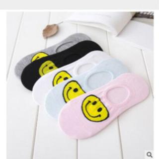 【ネット決済・配送可】スマイリー靴下5色セット