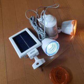 LEDライト ソーラー 2灯 センサー感知
