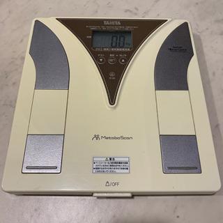 TANITA 体重計 (体脂肪率計)