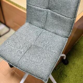 椅子(NITORI、座面広さ40cm✕40cm、座面までの高さ4...