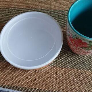 マグカップ、タッパーウェアの画像