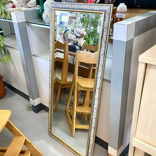 アンティーク調の壁掛け鏡