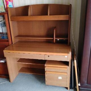 学習机と本棚 貰ってください!