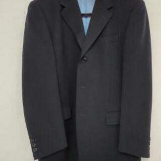 紺色スーツ