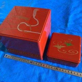 【中古】かわいい重箱(中3段と小1段,プラスティック製)