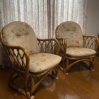 ラタン椅子 2つセットの画像