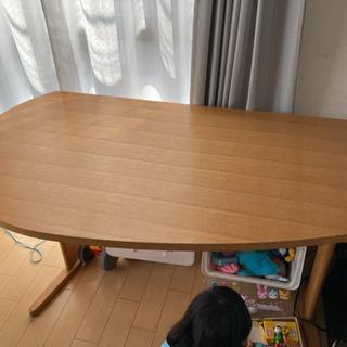 【無料】ダイニングテーブル[ニトリ購入中古]
