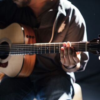 【5/1(土)〜5/9(日)限定】初心者向けにギターを無料で教えます