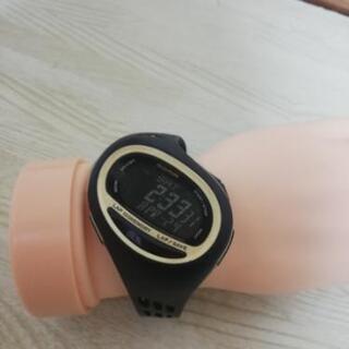 2(超美品)(超激安)スポーツ腕時計‼️画面綺麗‼️状態良…