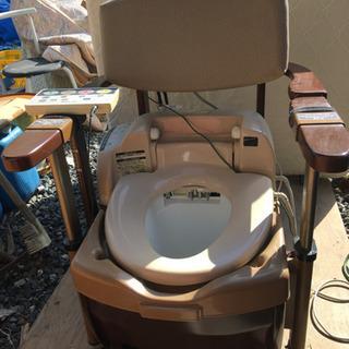 ポータブルトイレ ウォシュレット付 椅子にもなります