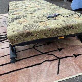 折りたたみ電動シングルリクライニングベッド超美品!