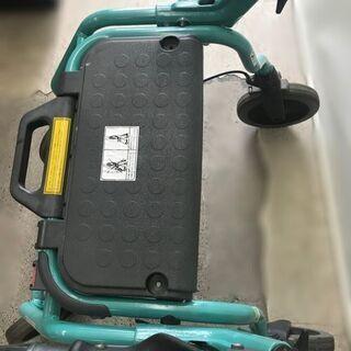スウェーデンのドロミテ社製 DOLOMITE FUTURA 520 歩行器【自社配送は札幌市内限定】手押し車 歩行補助 シルバーカー - 札幌市