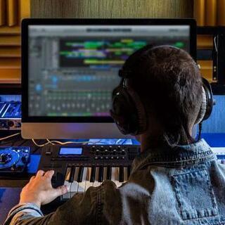 作曲♪作詞♪楽曲提供♪プロデュース♪リーズナブルに提供いたします。