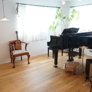 ピアノとウクレレの教室 阪神芦屋