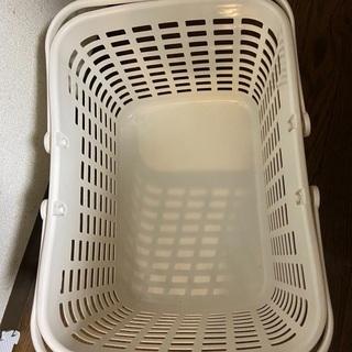 無料 洗濯かご ランドリーバスケット  (ホワイト)