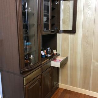 食器棚(高さ197cm×奥行47cm×幅118cm)