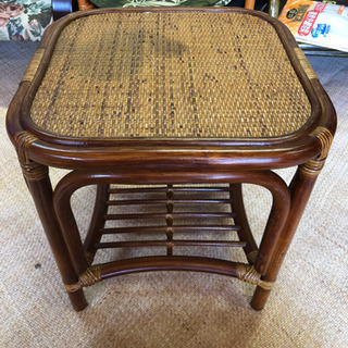 美品 藤家具 コンパクト サイドテーブル 40×40×40cmおおよそ