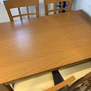 [受け渡し予定有り]4人掛けダイニングテーブルセットです!