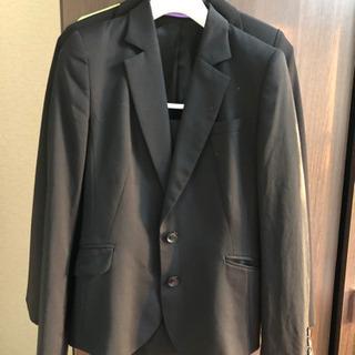 女子スーツ 1セット6日朝まで