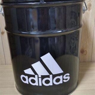 アディダス缶