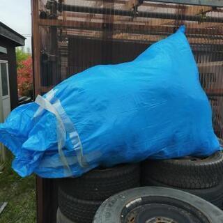 ブルーシート素材のビニール袋大量