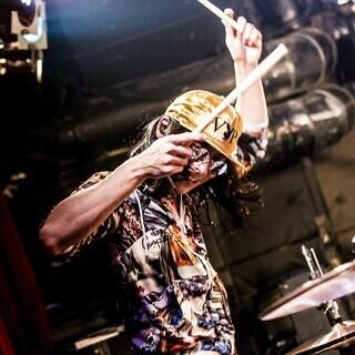 現役ミュージシャンがマンツーマンでドラム指導♪【ユニヴァ音楽教室】