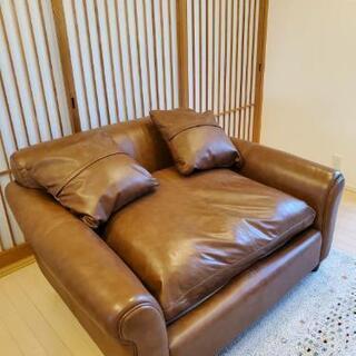 【値下げ】合皮製のゴージャスソファー