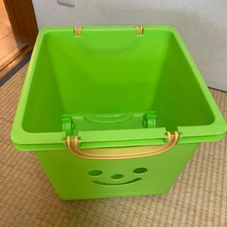 お値下げ!グリーンのボックスお顔★オモチャ箱★収納ケース★プラケース