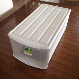 プラスチック製深型収納ケース